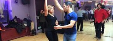 Salsa on 2 Beginner Class with Ricardo Torres