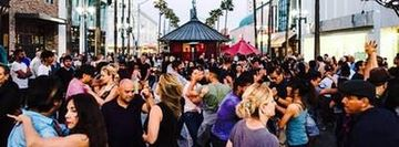Salsa Sundays on Third Street Promenade